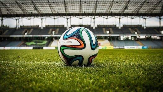 Soccer Ball Stadium Field  - jarmoluk / Pixabay